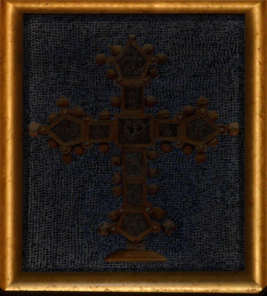 CROCE PROCESSIONALE: dono della Regyr Elisabetta d'Angiò al Convento francescano di Zara
