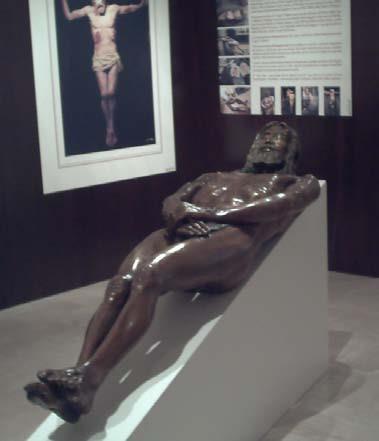 Statua in bronzo del corpo sindonico