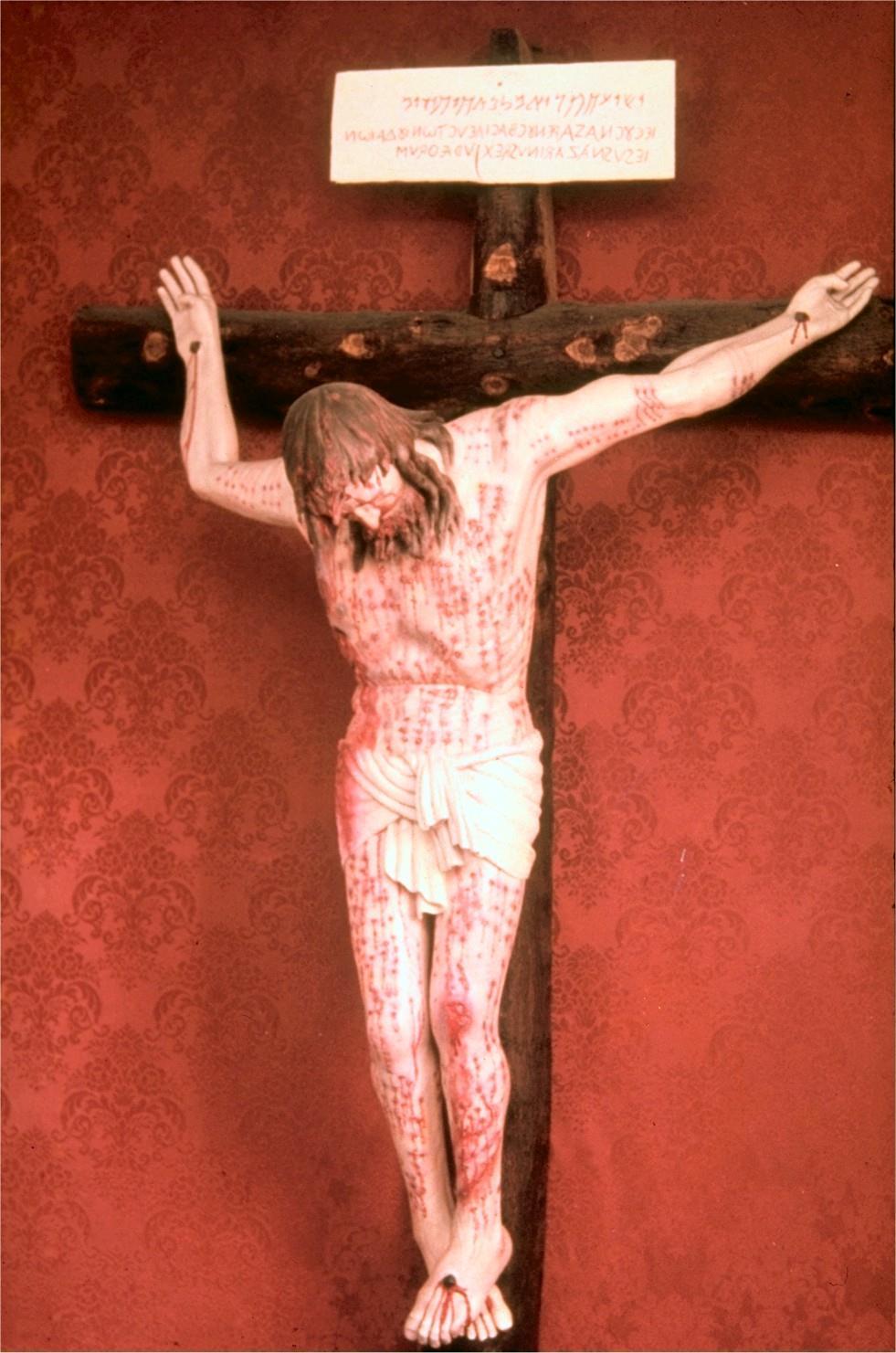 Crocifisso sindonico, G. Ricci (Assisi, XX sec.)
